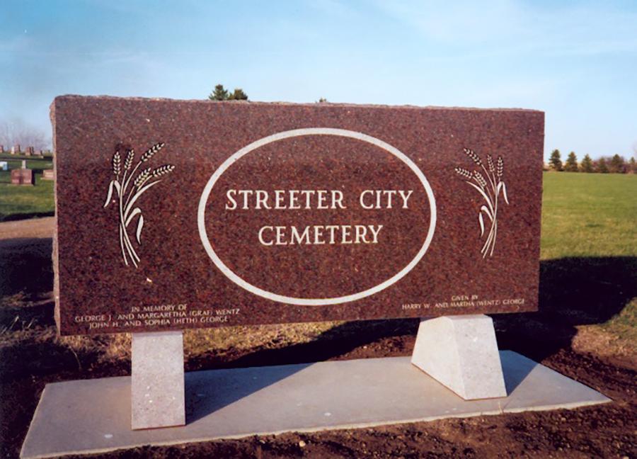 Streetercty Cemeteryarc